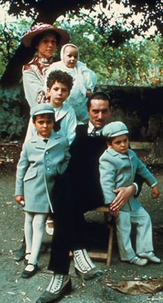 The Corleone family returns to Sicily - The Godfather Corleone Family, Don Corleone, The Godfather Part Ii, Godfather Movie, Real Gangster, Gangster Movies, Mafia, Andy Garcia, Marlon Brando