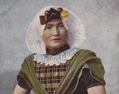 Dutch tinted postcard - Portrait of a farmer girl in ethnic folk costume - Sepia folklore fashion postcard - 1900's (B232)