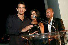 David Boreanaz Photos Photos - (L-R) Actor David Boreanaz accepts an award from…