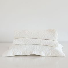 COTTON JACQUARD BEDSPREAD AND PILLOWCASE - Bedspreads - Bedroom | Zara Home United States