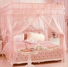 ❤ 55 Shabby Chic Bedroom Decor Ideas - Rustic and tacky stylish furnishings would be the base of your décor; you too can add some industrial items or decorations – they'll look good. Pink Bedrooms, Shabby Chic Bedrooms, Shabby Chic Homes, Shabby Chic Furniture, Modern Bedroom, Luxury Bedrooms, Master Bedrooms, Minimal Bedroom, Bedroom Black