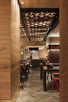 Ceiling detail/Gochi Restaurant by Mim Design. The ceiling detail. Mim Design, Cafe Design, Italian Interior Design, Cafe Interior, Cafe Bar, Architecture Restaurant, Ceiling Detail, False Ceiling Design, Hospitality Design