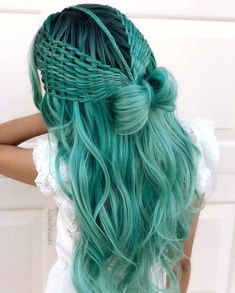 28 Top Blonde Ombre Hair Color Ideas for 2019 - Style My Hairs Braided Hairstyles, Cool Hairstyles, Beautiful Hairstyles, Mermaid Hairstyles, Wedding Hairstyles, Female Hairstyles, Teenage Hairstyles, Spring Hairstyles, Party Hairstyles