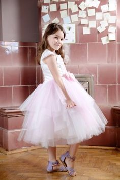 Rochita pentru serbare | Zizette Girls Dresses, Flower Girl Dresses, Kids Fashion, Wedding Dresses, Clothes, Design, Dresses Of Girls, Bride Dresses, Outfits