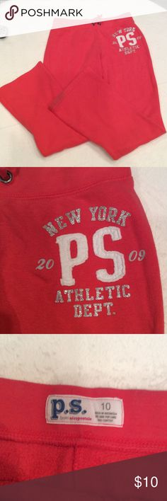 🎉FINAL PRICE👌🏻Aeropostale sweatpants Red aeropostale sweatpants with silver letters.stain on bottom of left leg Aeropostale Bottoms Sweatpants & Joggers