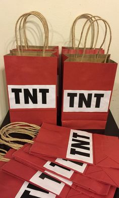 TNT goodie bags with handles 12 PK by Theperfectpinata on Etsy. Perfect for a minecraft themed party! 9th Birthday Parties, Minecraft Birthday Party, Birthday Fun, Mine Craft Birthday, 10th Birthday, Mine Craft Party, Minecraft Party Decorations, Minecraft Party Ideas, Minecraft Cake
