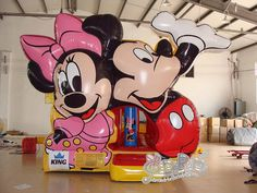 16ft-disney-mickey-and-minnie-bounce-house-01