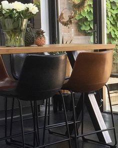 """nuevo-interiordesign on Instagram: """"🖤Heerlijke plek met veel licht ,uitzicht op tuin : om te werken, eten , gezellig koffie drinken🖤 #interieurontwerp #interieuradvies…"""""""