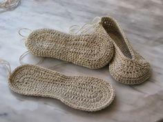 Zapatillas, pantunflas o slipper, pueden usarse modo calcetín, para calentar los pies en esas frías noches de invierno que nos esperan, o p...