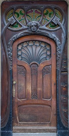 Photos Blend of Architecture with Art Nouveau. At this time it was a revolutionary movement where there was a strict barrier between pure art and art. Art Nouveau focuses more on the concept of und… Cool Doors, Unique Doors, The Doors, Entrance Doors, Doorway, Windows And Doors, Front Doors, Door Entryway, Entrance Ideas