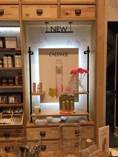 Ouverture d'une nouvelle boutique #Caudalie au #Carrousel du #Louvre à #Paris - mobilier sur-mesure par #Elemen