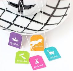 As the weather gets colder a nice hot cup of tea is always a good idea. And adding a punny tag to your teas bags is an even better idea. These funny free printables from Make and Tell will bright a… Tea Tag, Party Planning, Free Printables, 3 D, Tea Cups, Teas, Journals, How To Make, Boxes