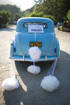 Just Married: car decor.