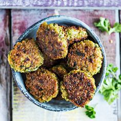 Hernefalafelit | K-Ruoka #kasvis #gluteeniton #falafel #herne #hernerouhe Easy Healthy Recipes, Healthy Snacks, Vegetarian Recipes, Easy Meals, Healthy Eating, Cooking Recipes, Vegan Foods, Food Inspiration, Food And Drink