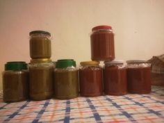 Fokhagymás zöldpaprikakrém fűszerpaprikából és csilis variáció, meglepően finomak lettek!