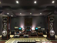 "New shoes for Rick, size extra large! ""audiosystem #audiophile #audiovideo #audioporn #audioloveofficial #highendaudio #luxuryaudio #instagood #instamusic #music #musiclover #vinyl #vinylcollection #vinylcollector #vinyljunkie #hifi #sound #amp #speaker #stereosystem #audioengineer #vinyligclub #vinylcommunity #turntable #highquality #Mcintosh #preamp #stereo"