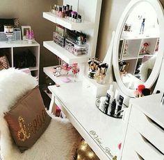 Hogar dulce hogar #home #bed #room #makeup #esinspiracion #inspiracion #beauty #cool #fashion #nice #pink #sweet #chic #girl #cute #sexy #perfect #luxury #ladys #fancy #love #style