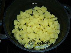 Maya's World: TIGARETE PICANTE-CU FOI BRICK Maya, Honeydew, Pineapple, Brick, Fruit, Food, Pinecone, Honeydew Melon, Bricks