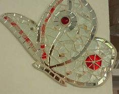 GUFO PORTAFORTUNA A MOSAICO owl lucky charm hibou porte | Etsy Butterfly Mosaic, Red Butterfly, Glass Mosaic Tiles, Mosaic Art, Mosaics, Stained Glass Angel, Mosaic Crosses, Mosaic Garden, Angel Fish