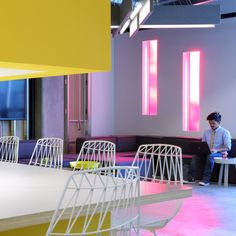 """Clive Wilkinson Architects brings """"quirky rawness"""" to Funny or Die offices"""