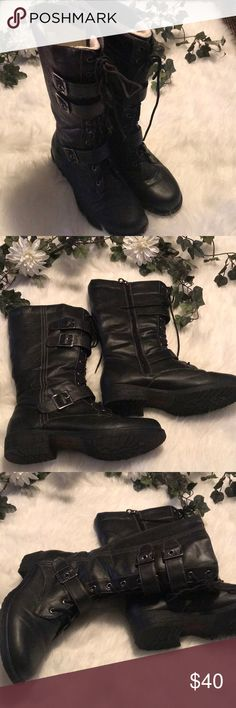 ❄️ Boots with the fur Super cute buckle and lace up detail boots, with fur lining. Perfect for the cold winter months - Looks super cute with jeans or boho dresses.  Worn only to work (desk job) a few times, so bottom of soles are not terribly worn.   Price firm unless bundled Sporto Shoes