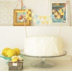 For dinner party, color pallet and bunting for cake Yellow and Turquoise Party Cake Inspiration with pattern paper garland Cake Bunting, Cake Banner, Mini Bunting, Fabric Bunting, Buntings, Kit Kat Cheesecake, Turquoise Party, Bunting Design, Edible Crafts