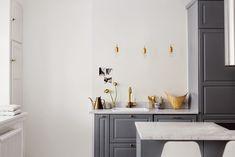 Une cuisine en marbre et or - FrenchyFancy
