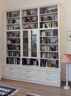 N-091 Fehér könyvszekrényEgyedi Konyhabútor – Klasszikus konyhabútor – Nappali bútor – Gerland Bútorstúdió