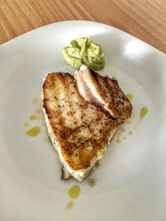 Tuna Steak with Avocado Pasta