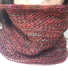 Ravelry: Simple Simon Cowl pattern by Hanna Illuzzi - Tuch Stricken Crochet Cowl Free Pattern, Loom Knitting Patterns, Crochet Shawl, Knitting Projects, Knit Crochet, Crochet Patterns, Knitting Ideas, Knitting Websites, Crochet Geek