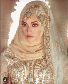 Wedding Abaya, Muslimah Wedding Dress, Asian Wedding Dress, Pakistani Wedding Outfits, Muslim Brides, Pakistani Bridal Dresses, Pakistani Wedding Dresses, Bridal Outfits, Bridal Hijab Styles