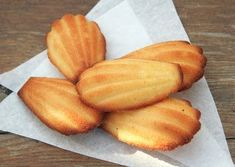 Madeleine a Francia csoda… | Pineapple, Peach, Sweets, Baking, Fruit, Cukor, Recipes, Food, France