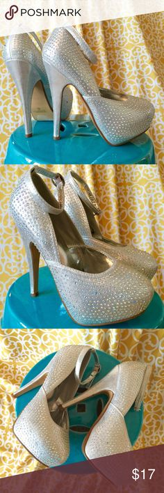 Ankle Strap Rhinestone Sparkly Heels, Sz 5.5 Great condition!  Has some random rhinestones that have fallen off and one tiny darker rhinestone (see photos).  Overall, amazing condition and gorgeous iridescent sparkle platform heels with a silver metallic undertone! Delicacy Shoes Heels