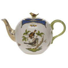 Herend Rothschild Bird Green Tea Pot With Bird Herend China, Tea Pot Set, Teapots And Cups, Chocolate Pots, Bird Design, Tea Time, Tea Party, Dinnerware, Stoneware