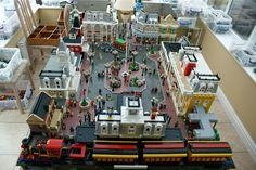 DISNEY DREAMER DESIGNS: Magic Kingdom Main Street USA out of Legos!
