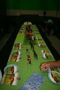 Horse party table decor