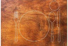 Tischsets zum kostenlos herunterladen und ausdrucken. Chain, Jewelry, Old Wood Table, Jewlery, Jewerly, Necklaces, Schmuck, Jewels, Jewelery