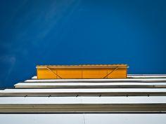 Les stores extérieurs vous permettent de profiter de votre terrasse sans que le soleil ne vous dérange. Découvrez comment choisir le vôtre !