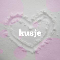 Sterkte kaarten - hartje in de sneeuw met roze stippen