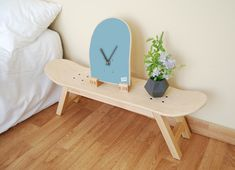 Funny skateboard clock for skateboarder gift. Skateboard decoration accessory for skaters is ideal for giving a street touch to the decoration of the house. Skateboard Decor, Skateboard Shelves, Skateboard Furniture, Upcycled Furniture, Diy Furniture, Home Decor Bedroom, Room Decor, Decoration, Girl Room
