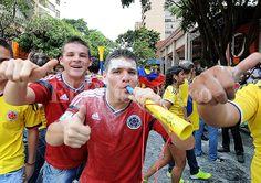 Así se vivió en Cali, la primera victoria de la selección Colombia en Brasil 2014   EL PAIS