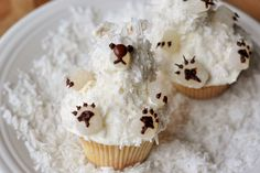Vanilla Polar Bear Buttermilk Cupcakes