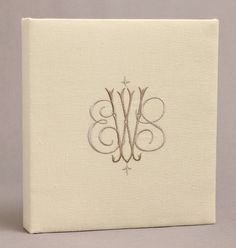 Instead Of A Guest Book Everyone Writes Their Initials This Won T Sit In An Attic Collecting Dust Alternative Wedding B Pinteres