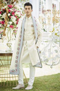 Buy Spun silkembroidered shawl by Varun Bahl - Men at Aza Fashions Wedding Kurta For Men, Wedding Dresses Men Indian, Wedding Dress Men, Pakistani Wedding Outfits, Wedding Men, Punjabi Wedding, Indian Weddings, Farm Wedding, Wedding Attire