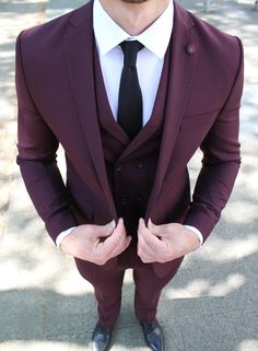Included are: Jacket Vest Trousers Lapel pin gift Cut: Slim FitStyle: Single BreastedFabric: polyester & viscose Best Suits For Men, Cool Suits, Prom Suits For Men, Mens Fashion Suits, Mens Suits, Grey Suits, Burgundy Suit, Slim Fit Suits, Designer Suits For Men