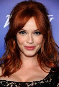 Christina Hendricks rocks the Hollywood classic look with her red hair Red Hair Color, Cool Hair Color, Red Color, Pelo Color Cobre, Celebrity Hairstyles, Cool Hairstyles, Hairstyle Ideas, Celebrity Wigs, Style Hairstyle