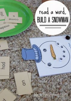 This early literacy game is so much FUN for kids! Read a word then build a snowman with this FREE printable! It's a fun reading activity for kids that makes them want to read! #teachmama #literacy #reading#handsonlearning #freeprintable #printablegame #teachingkids #words #elementary #learningtoread