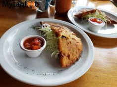 What Costa Rican food is like and our favorite 20 mouthwatering Costa Rican dishes. Also includes our favorite local restaurants Costa Rican Food, Costa Rica Travel, Empanadas, Food And Drink, Foods, Dishes, Drinks, Eat, Breakfast