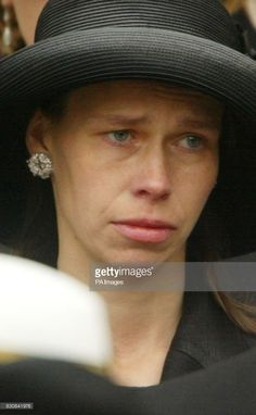 Image result for Lady Sarah Chatto Lady Sarah Chatto, Princess Margaret, Westminster Abbey, Sports Pictures, Queen Elizabeth Ii, Daughter, Royals, Leaves, British