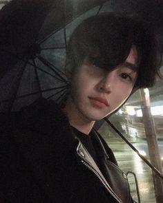 Korean Boys Hot, Korean Boys Ulzzang, Ulzzang Boy, Korean Men, Cute Asian Guys, Asian Boys, Asian Men, Cute Guys, Aesthetic People